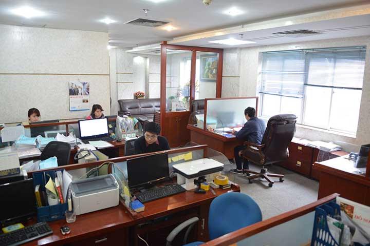 văn phòng bố trí theo không gian đóng