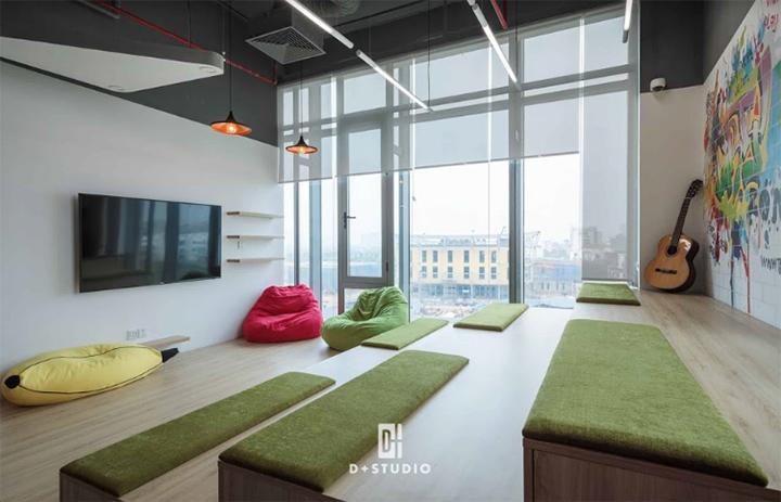 Văn phòng hiện đại với khu vực pantry ấn tượng của TAJ