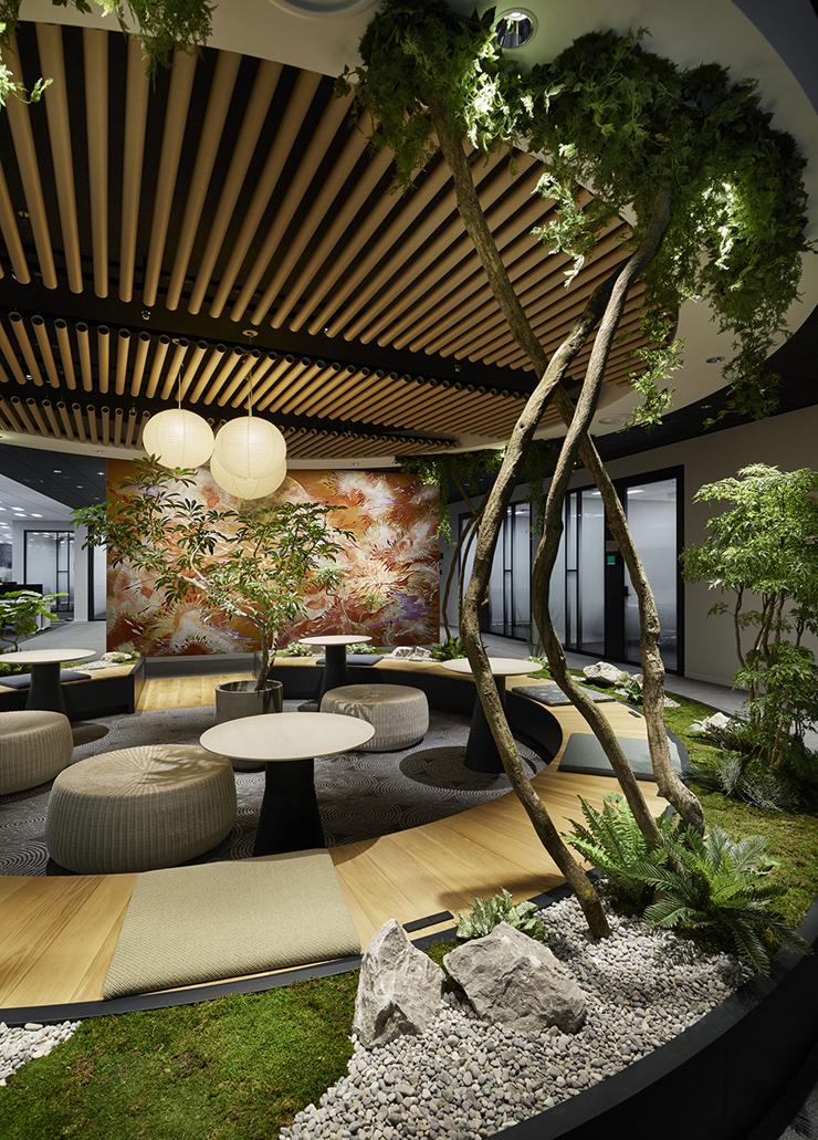 thiết kế văn phòng xanh với khu vườn mini