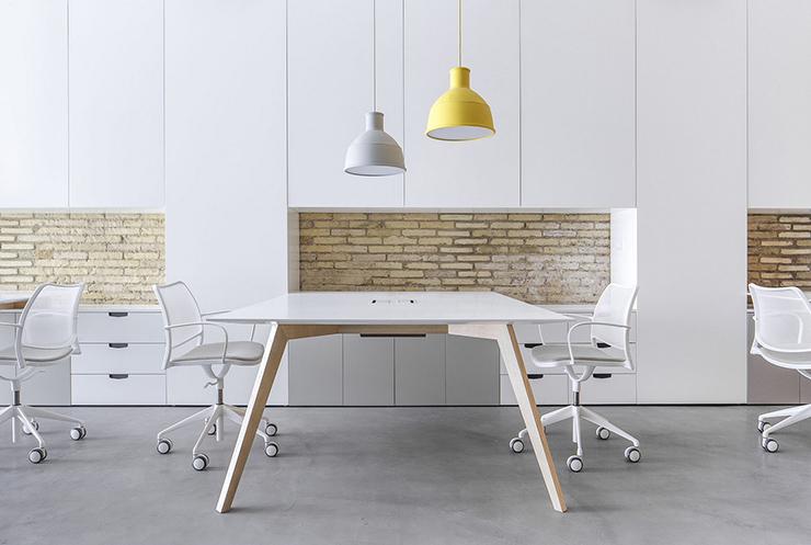 nguyên tắc thiết kế văn phòng phong cách tối giản