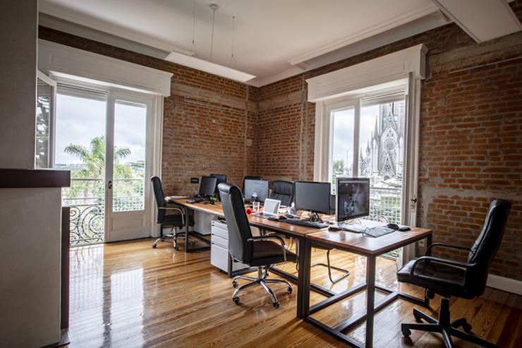 phong cách thiết kế văn phòng cổ điển