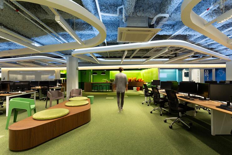 thiết kế văn phòng với gam màu xanh chủ đạo