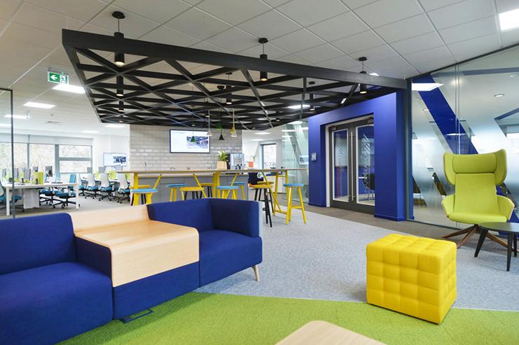 xu hướng văn phòng tương lai dùng nội thất thông minh