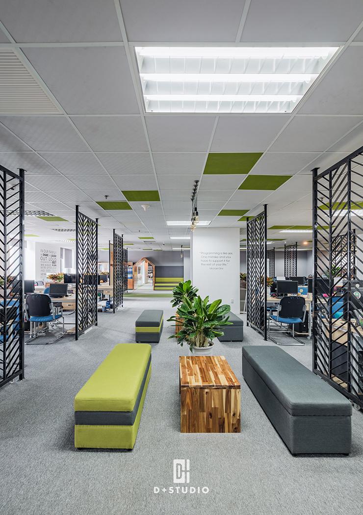 mẫu văn phòng hiện đại rộng mega store