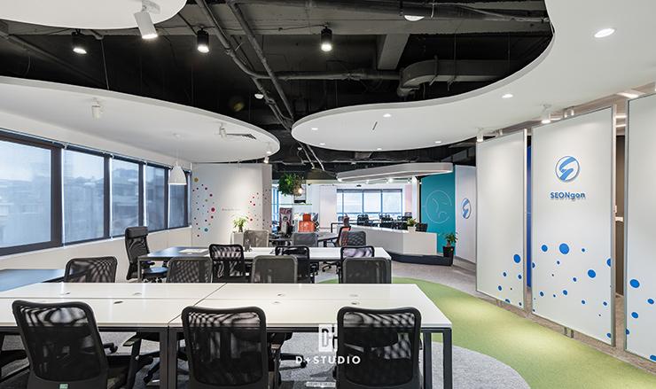 mẫu thiết kế văn phòng mở seongon