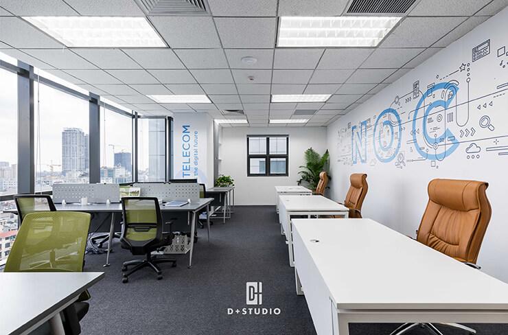 Không gian dài và hẹp nên có thể bố trí bàn dọc thay bàn ngang để tối ưu diện tích