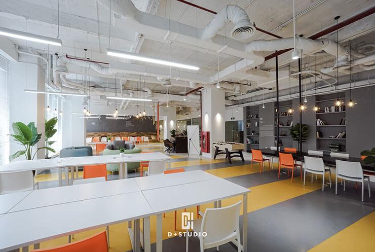Không gian làm việc chung rộng lớn bố trí chỗ ngồi làm việc linh hoạt giúp tăng cường tiện ích văn phòng và tiết kiệm chi phí vận hành.
