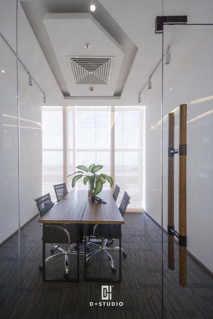 Cửa sổ lớn tại phòng họp nhằm tiết kiệm điện năng