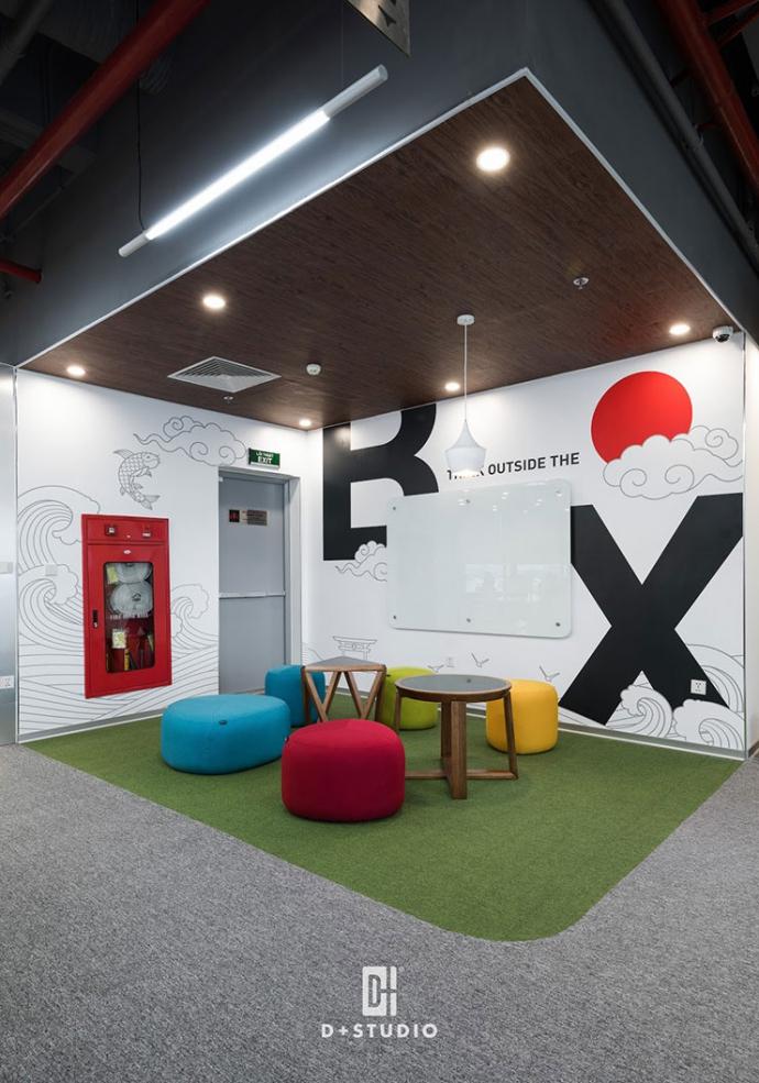 Khu vực tiếp khách tại văn phòng TAJ sở hữu thiết kế vô cùng ấn tượng, trẻ trung và màu sắc