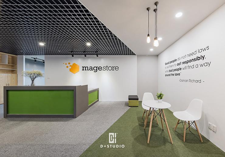 Khu vực tiếp khách tại Mage Store được đặt gần với bàn lễ tân để đảm bảo cho việc đón khách dễ dàng hơn