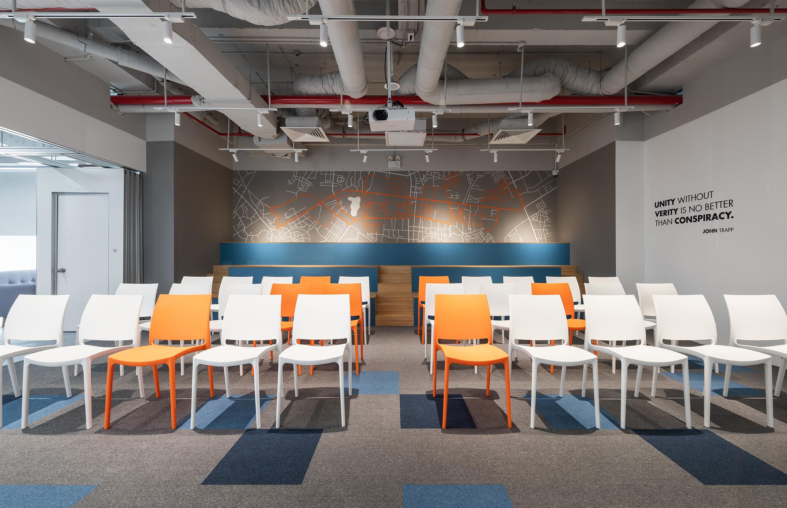 Không gian sinh hoạt chung tại văn phòng công ty DLS để tổ chức các hoạt động sự kiện, training, giới thiệu