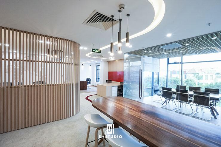 Không gian chức năng của văn phòng đều được thiết kế, bố trí phù hợp với số lượng nhân viên công ty
