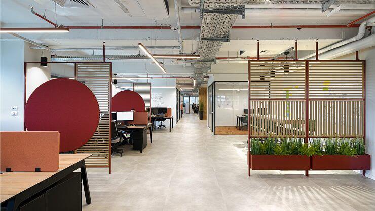 Vách ngăn tạo ra những không gian riêng vừa chuyên nghiệp vừa sang trọng