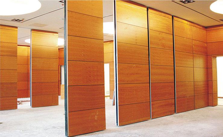 Vách ngăn di động bằng gỗ trong văn phòng giúp tối ưu hóa diện tích một cách tối đa