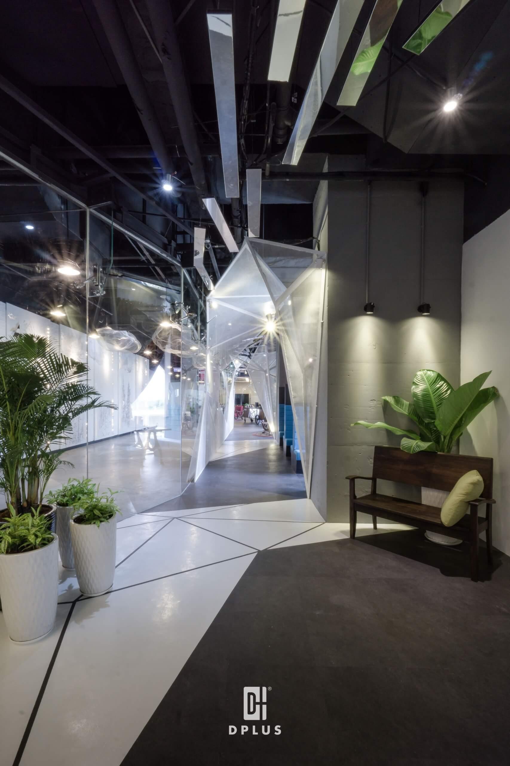 phong cách đương đại giúp văn hóa bản địa được thể hiện sắc nét tại Toong at the Oxygen