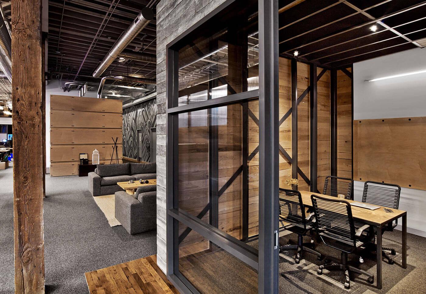 Kết hợp giữa gỗ và kim loại trong thiết kế công nghiệp